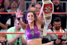 Plan initial pour Bayley / Comment la WWE a réagit à The Rock appelant Cm Punk? / Emma